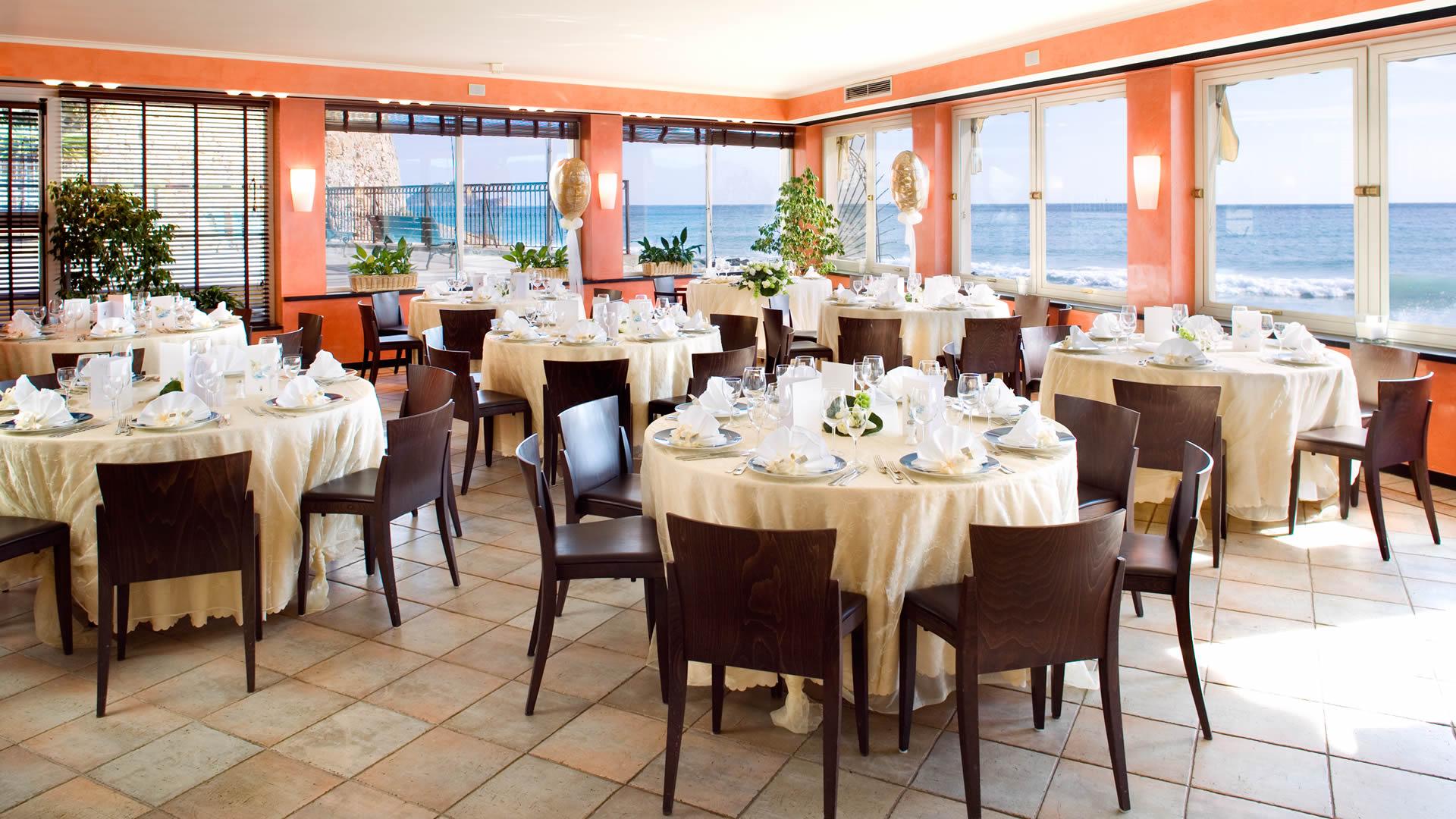 Matrimonio Spiaggia Alassio : Hotel cerimonie alassio ristorante sul mare charme